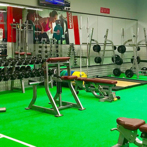Fitness First Uptown Mirdif weight lifting area