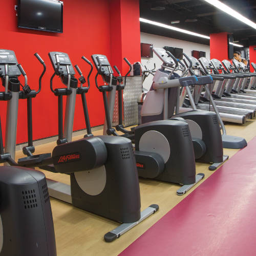 Abu Dhabi Fitness First cross workout machines