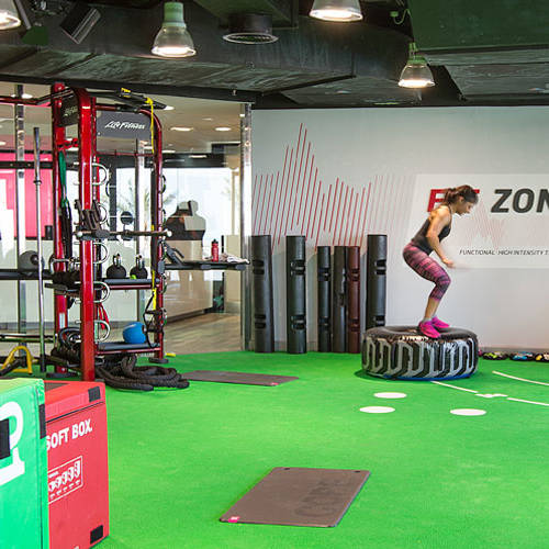 Fitness First Media City member exercising in Fit Zone
