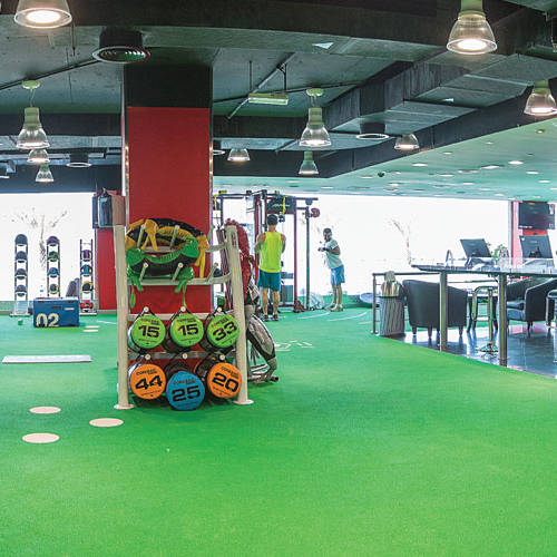 Inside Fitness First Dubai Media City overview
